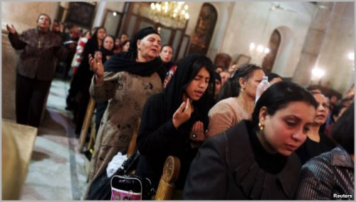egyptian-coptic-christians-praying